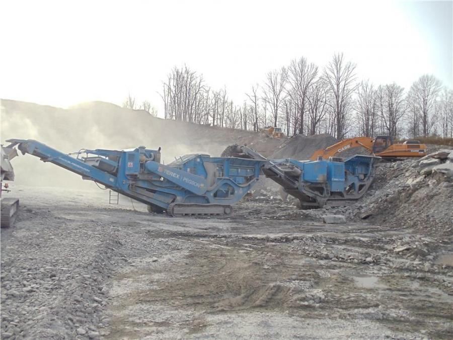 A Pegson XR400 Jaw and 488 impactor are used on the project.