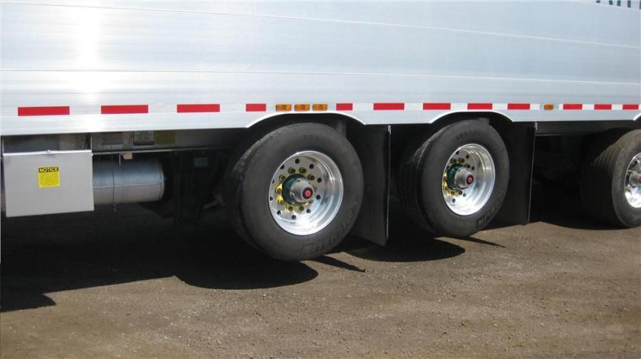 1. The Paramax suspension provided the Verspeeten fleet of Titan Trailers the additional clearance and protection against air bag and tire damage.