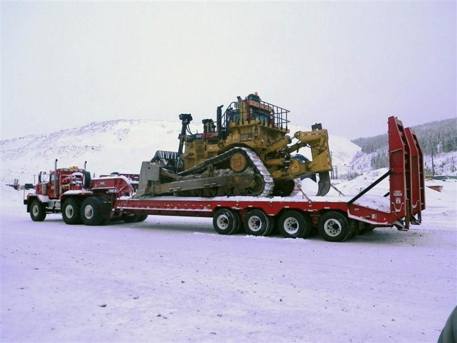 This Rogers 125-ton (113 t) capacity trailer was built to haul mining equipment in Quebec.