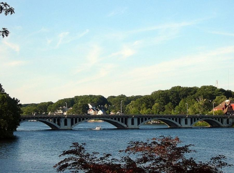 The current Kenneth F. Burns bridge was constructed in 1916 by the Massachusetts Highway Commission.