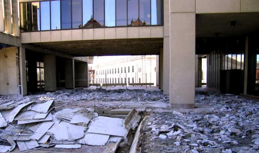 Stage I construction included the demolition and rebuilding of the south, east and west upper plaza at City Hall, painting structural steel and installing tunnel lighting, according to Jeff Morra, resident engineer of MassHighway.