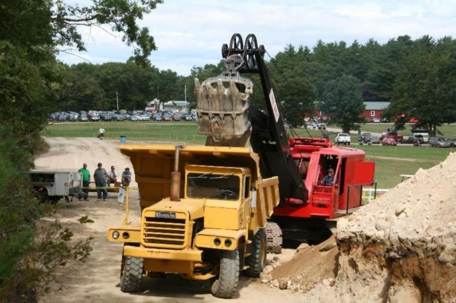 Photo courtesy of Gary Munsey of New England Rockbusters