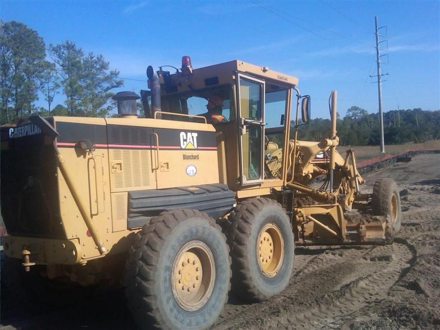 This Cat 140H CCA0284 G4 motorgrader is just one of many pieces of Cat iron involved in the project.