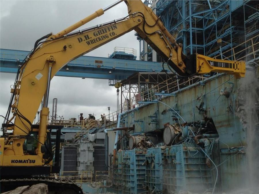 DH?Griffin uses two Atlas Copco HB7000 breakers purchased from Scott-Gallaher Inc. Construction & Industrial Equipment to demo the Port Everglades Power Plant.