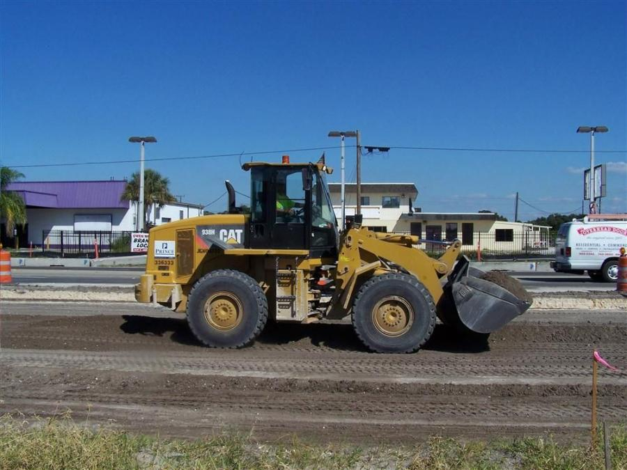 Prince Contracting is making extensive use of Cat 938 H wheeled loaders on the U.S. 301 Downtown Sarasota Project, including utility installations, road construction and retention pond excavation.
