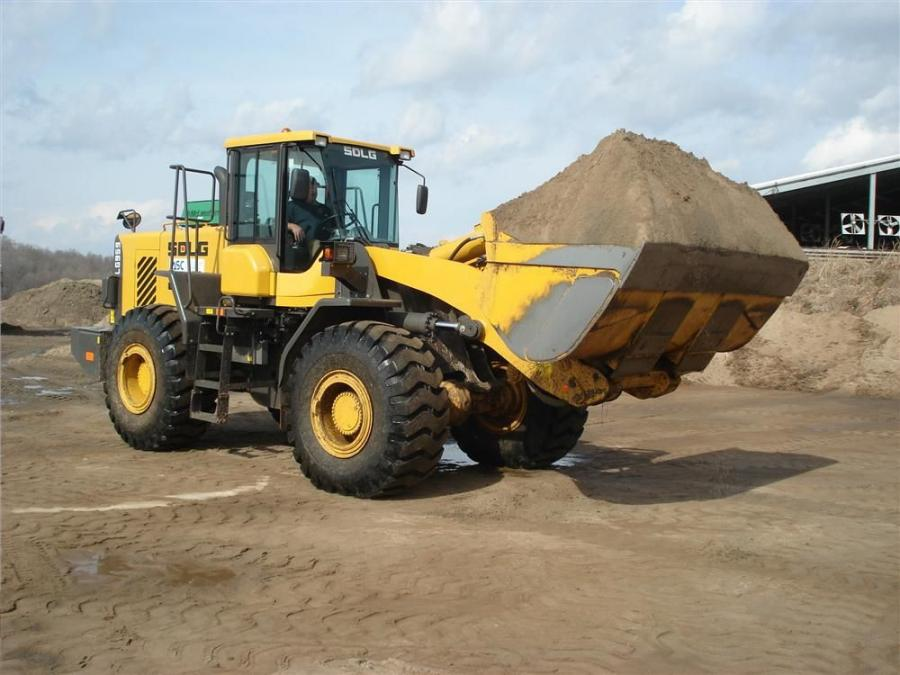 The SDLG 959 loader's engine, manufactured by Volvo, specifically for SDLG meets Tier III standards and is characterized by low noise, low emission, low fuel consumption, reliable performance and strong power.
