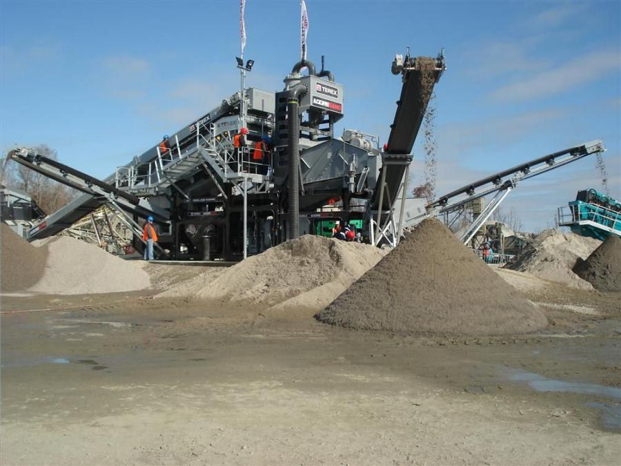 The 1.5 in. (3.8 cm) minus material is fed into the Terex AggreSand machine and three clean gravels and two sands are produced.