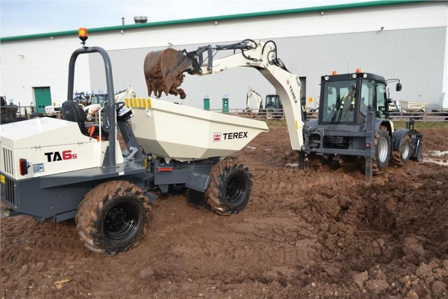 The Terex TA6 model is a forward-tip discharge site dumper — this set-up features a forward tipping mechanism that is designed to accurately place high volumes of jobsite materials.