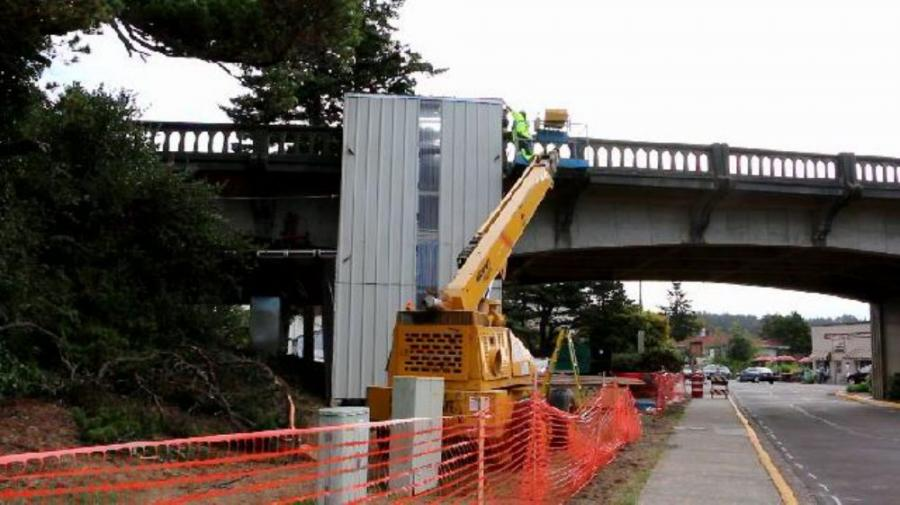 Contractors began preservation work in September on the Siuslaw River Bridge, one of numerous bridges designed on the Oregon Coast by Conde McCollough, Oregon state bridge engineer from 1919 to 1935.