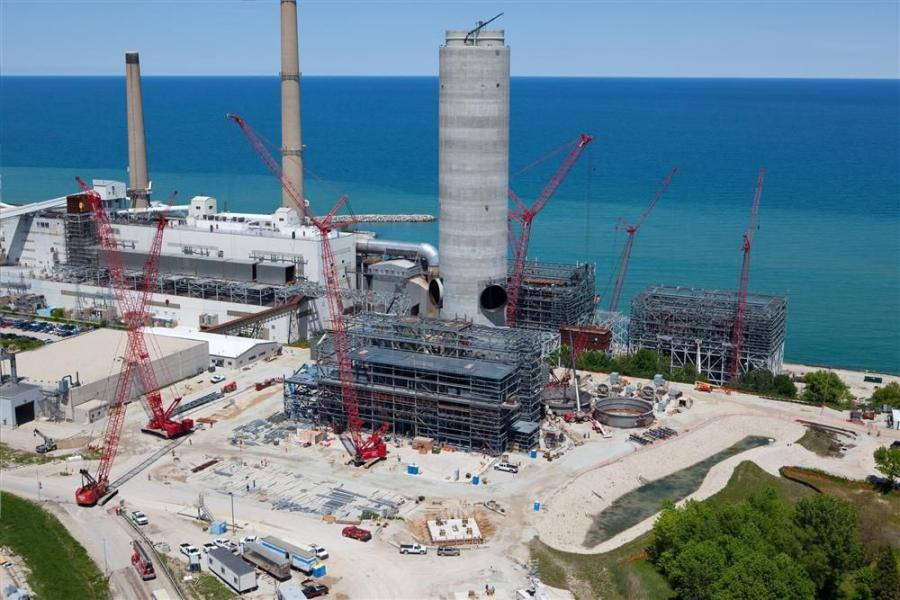Dawes' cranes were onsite from the outset — rough-terrain cranes from 65 to 130 tons (59 to 118 t) and crawlers from 175- to 660-tons (159 to 599 t) capacities, did everything from steel erection to placing new ductwork and chimney components.