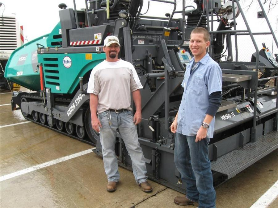 Steve Reed (L) and Zac Marta from the City of Grove, Okla., have been taking a hands-on tour of the Vögele 5200-2 Vision paver.