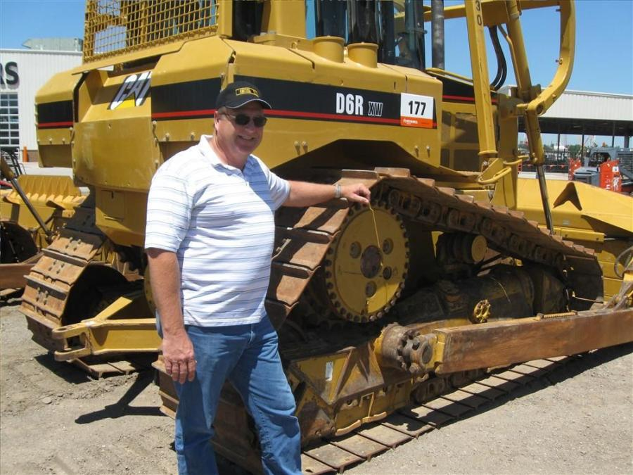 Independent broker Clay Webb of Huntsville, Texas, is interested in this Cat D6R dozer.