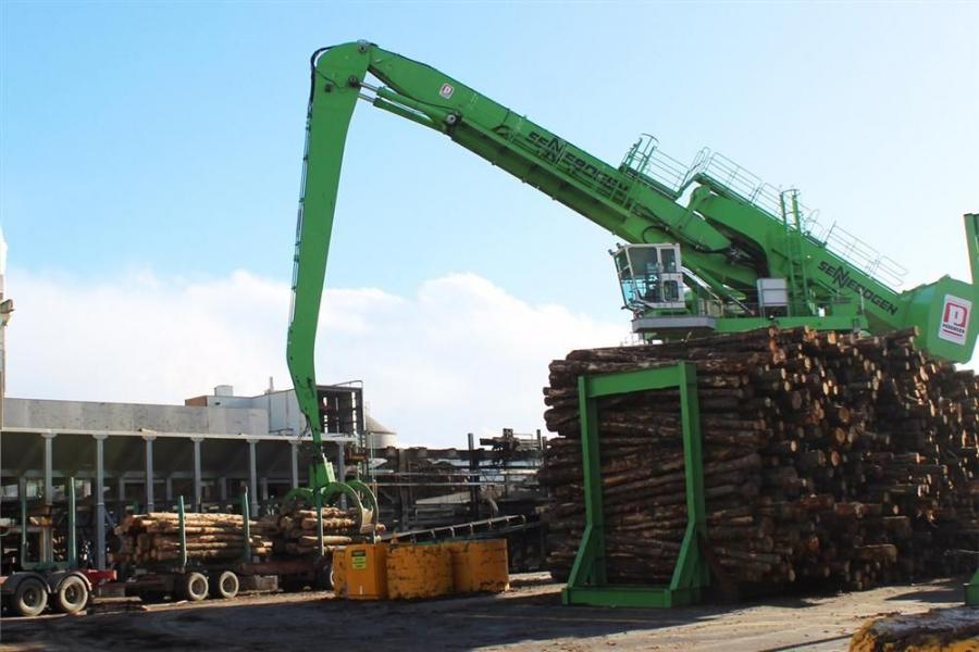 A total of four Sennebogen material handlers, including two with a trailer, are working for Pedersen Group in the Australian Tasman sawmill.