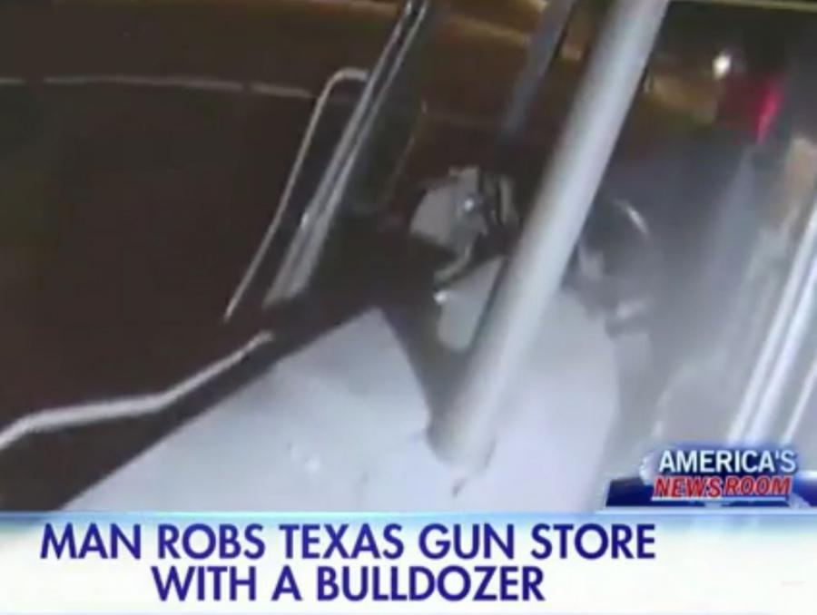Video has surfaced online of an apparent robbery attempt of a gun Store in Texas which involved the use bulldozer.