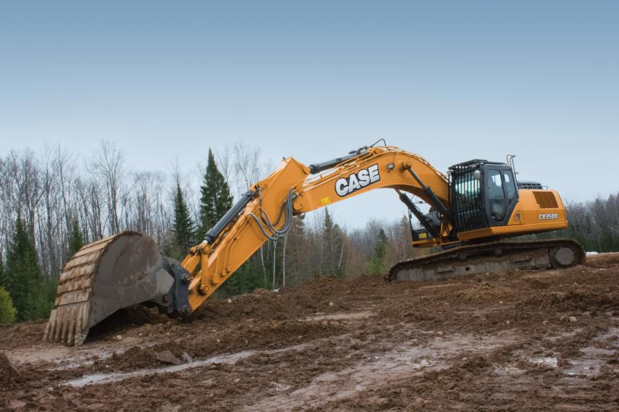 With an operating weight of 82,483 lbs., the CX350D features a 268 hp Tier IV Final diesel engine and up to 56,157 foot-pounds of bucket digging force.
