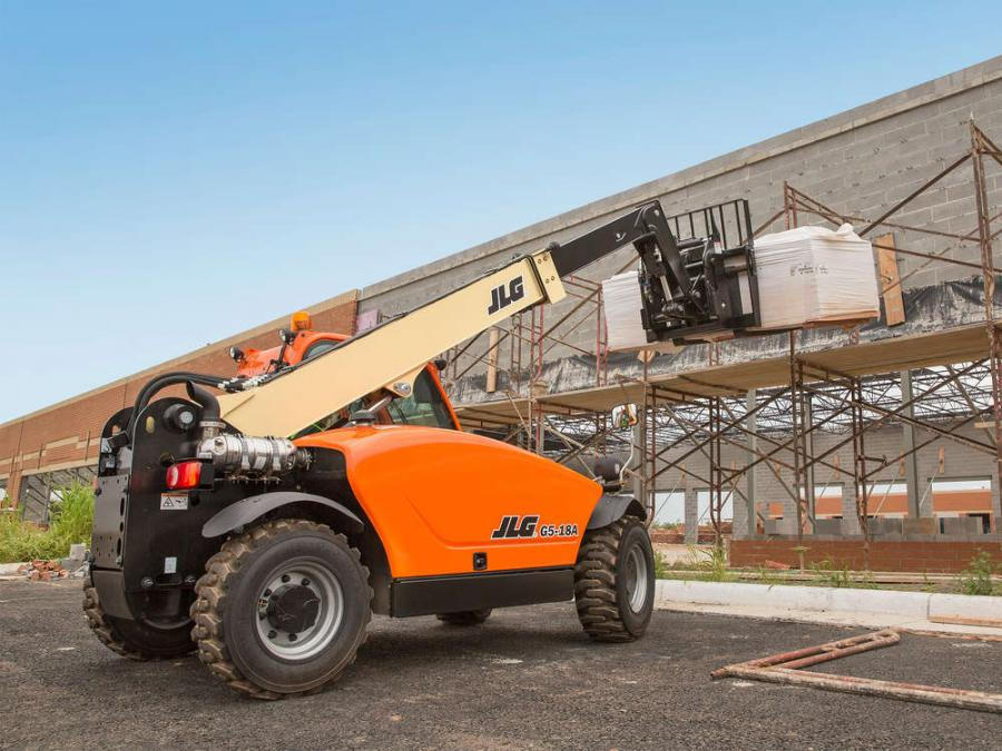 The JLG G5-18A features a tight 127-in. (322.6 cm) turning radius, enabling movement through crowded job sites and a stowed height of less than 76 in. (193 cm).