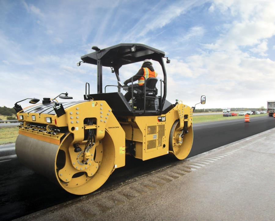 The CB64B, CB66B, and CB68B models are 13 to 15.4 ton (12 to 14 t) compactors that feature wider drum widths, high-flow water spray system, increased operator comfort, and enhanced technology to help operators and machines perform at higher levels.
