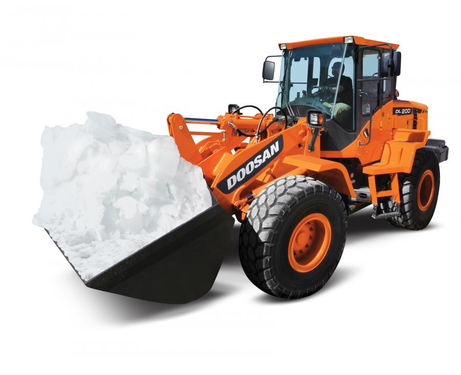 The DL200-3 wheel loader with a bucket can easily handle the snow.