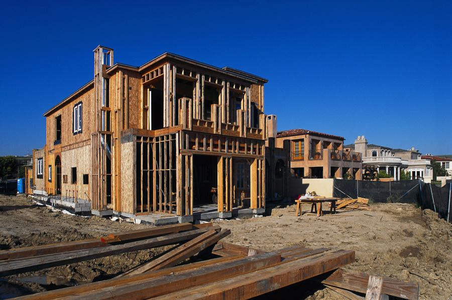 US builders started fewer homes in December, but prior gains meant that residential construction ended 2015 at its healthiest level in eight years.