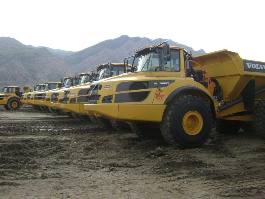 Whitaker Construction also elected to use 11 new Volvo A40G articulated haul trucks from Arnold Machinery Company.