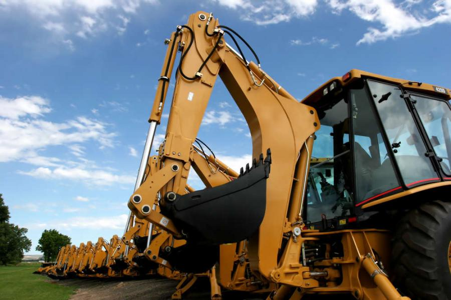 Global sales of construction equipment are forecast to grow 3.9 percent in unit terms in 2016, to 760,508 machines, according to specialist economic forecasting and market research consultant, Off-Highway Research.