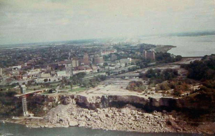 The American Falls was slowed to a trickle in 1969 to study the effects of erosion and buildup of rock at the base of the falls.