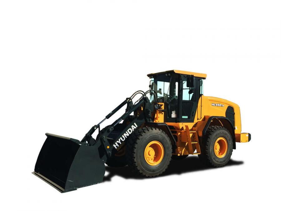 The new Hyundai HL940TM wheel loader is the first Tool Master wheel loader added to the HL900 series. These models feature parallel linkage, which is especially effective in fork applications where level lifting is important.