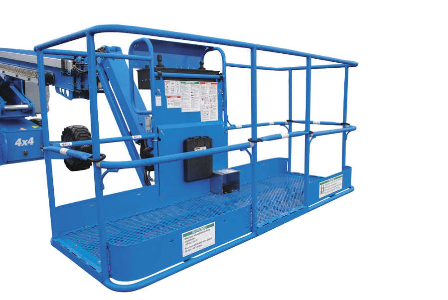 New dual-entry and tri-entry baskets allow walk-in access to the boom platform.