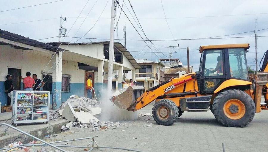 JCB has donated a 3CX backhoe loader worth $100,000 to assist rescue and clean-up efforts in Ecuador following last Saturday's devastating earthquake.