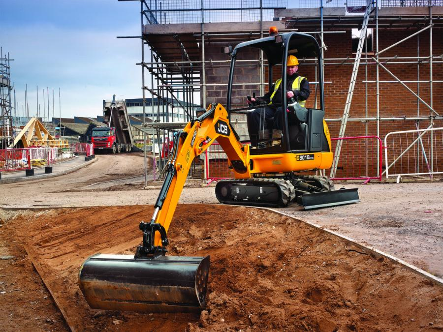 The JCB 8018 Contractor specification model provides utility contractors with a compact excavator specifically designed to work on busy urban job sites.