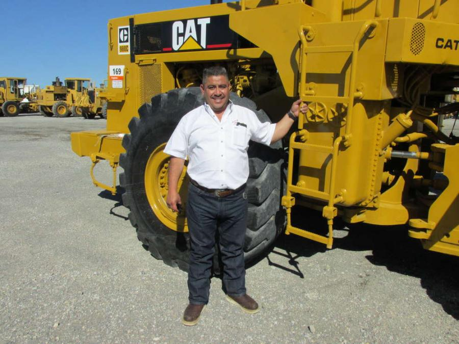 Jose Torres of Calhoun Tractor Inc. in Aledo, Texas, plans to bid on this Cat 980 C loader.