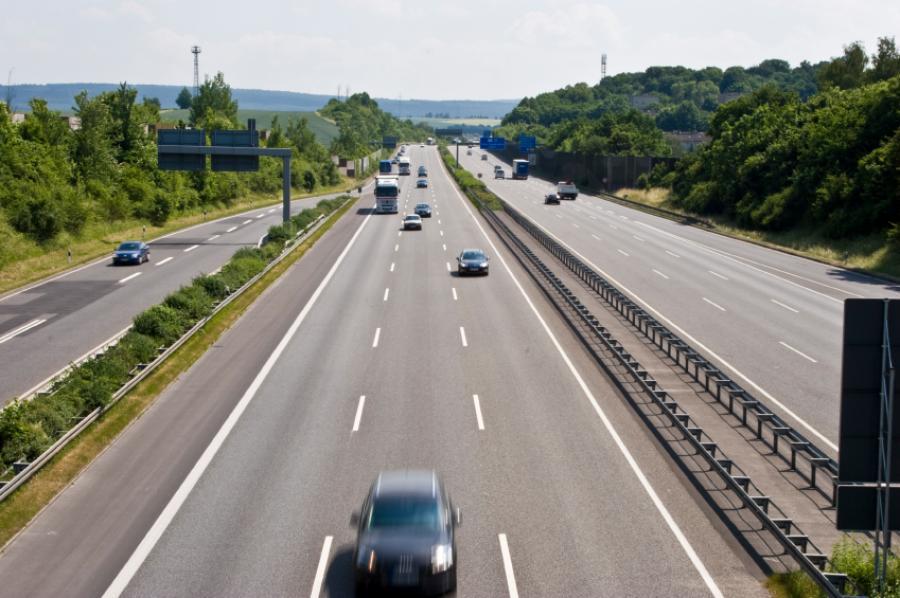 U.S. Transportation Secretary Anthony Foxx today announced $3 million in job training grants in eight states.