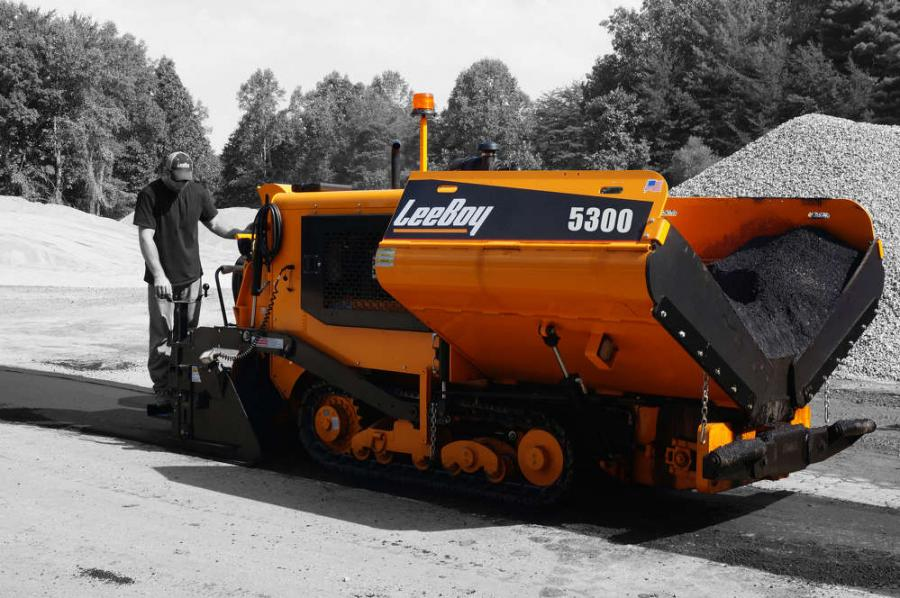 The 12,700-lb. (5,760 kg) paver has a 64 hp Tier IV Final water-cooled diesel engine, provides optimal power, fuel efficiency and meets current EPA requirements.