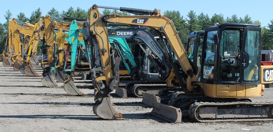 The sale featured a great quantity of excavators and other earthmoving machines.