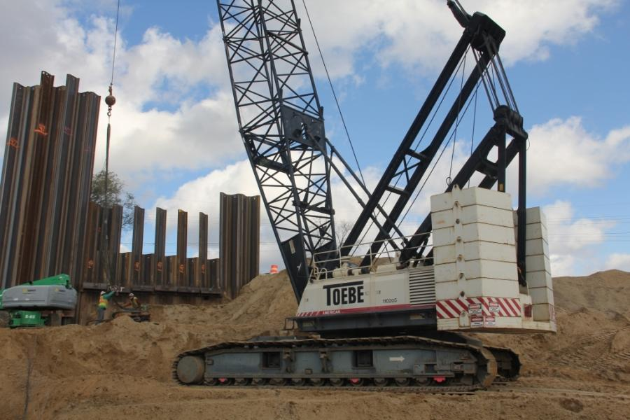 Toebe, along with joint venture partner, Kamminga & Roodvoets Inc., are bringing in a lot of lifting power. Nine Terex HC series crawler cranes are being used for various projects ranging from beam placement to pile driving.