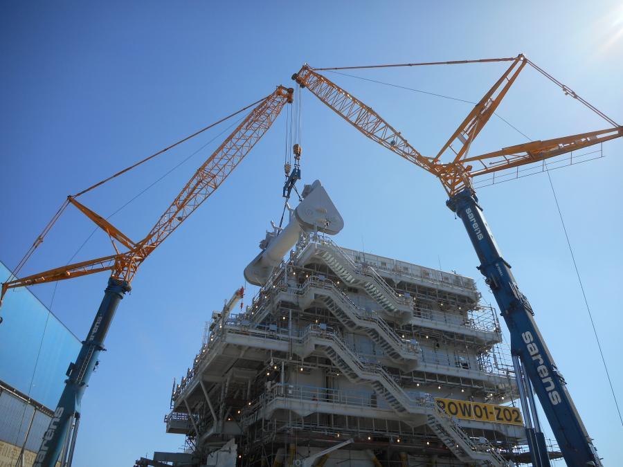 Sarens Enlists Two Terex Ac 700 Cranes For Heavy Tandem Lift