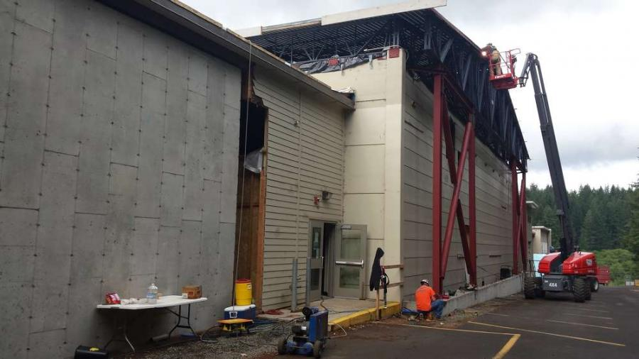 In Oregon, a state seismic program has so far given out more than $1 billion in grants to schools and other public facilities for rehabilitating buildings deemed likely to fall in such an event.