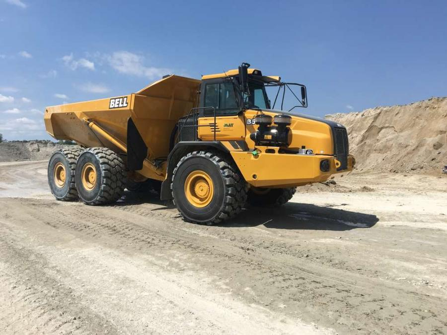 SC Rock has called on May Heavy Equipment to help supply it with the various machines it needs to do this type of heavy work, including providing it with a pair of 50-ton Bell 50D articulated dump trucks.