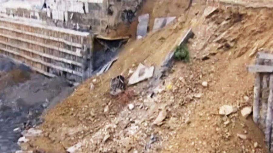 No one was killed or injured in the mishap, which was captured on video by the workers.
