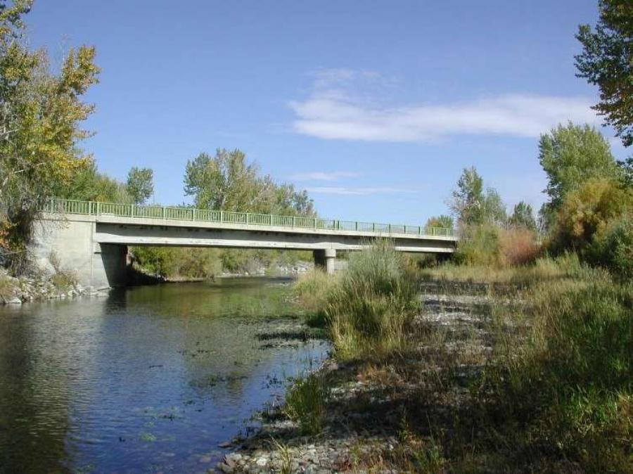 Idaho Transportation Department  The current bridge, built in 1956, is a three span structure with an overall length of 237 ft. (72 m) and is 32 ft. (9.75 m) wide.