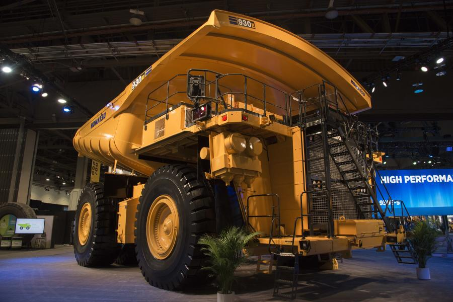 The 930E-5 is a good match in large-scale mining applications with big bucket shovels (49-55 yd3) – such as Komatsu's PC7000 and PC8000, loading out in six or five passes, respectively, depending on bucket size and material density.