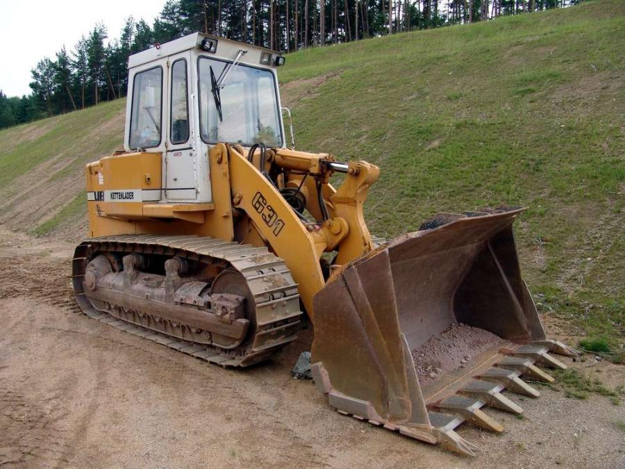 Tracking' the History of Crawler Loaders, Dozer | Construction
