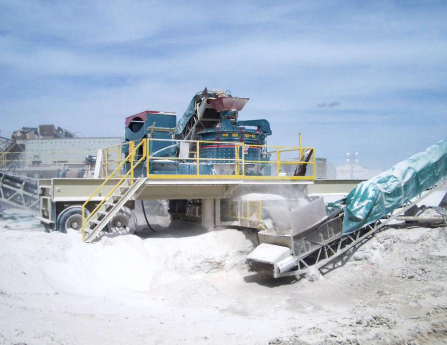 The Turbo 128 V-Twin VSI Crusher is fully customizable to enable production of several types of aggregate materials, opening it up for use in a variety of industries, including energy production, mining and recycling.