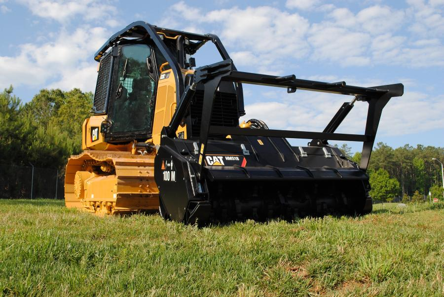 The width of the HM518 mulcher, featuring a 72-inch-wide drum, is matched to the operating width off the D3K2 for optimum efficiency and productivity.
