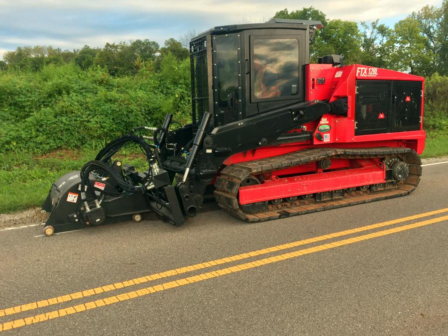 When milling is completed, the FTX128 hydraulic circuits and quick attach coupler plate enable users to run complementary attachments including brooms or buckets to make great use of the FTX128 tractor.