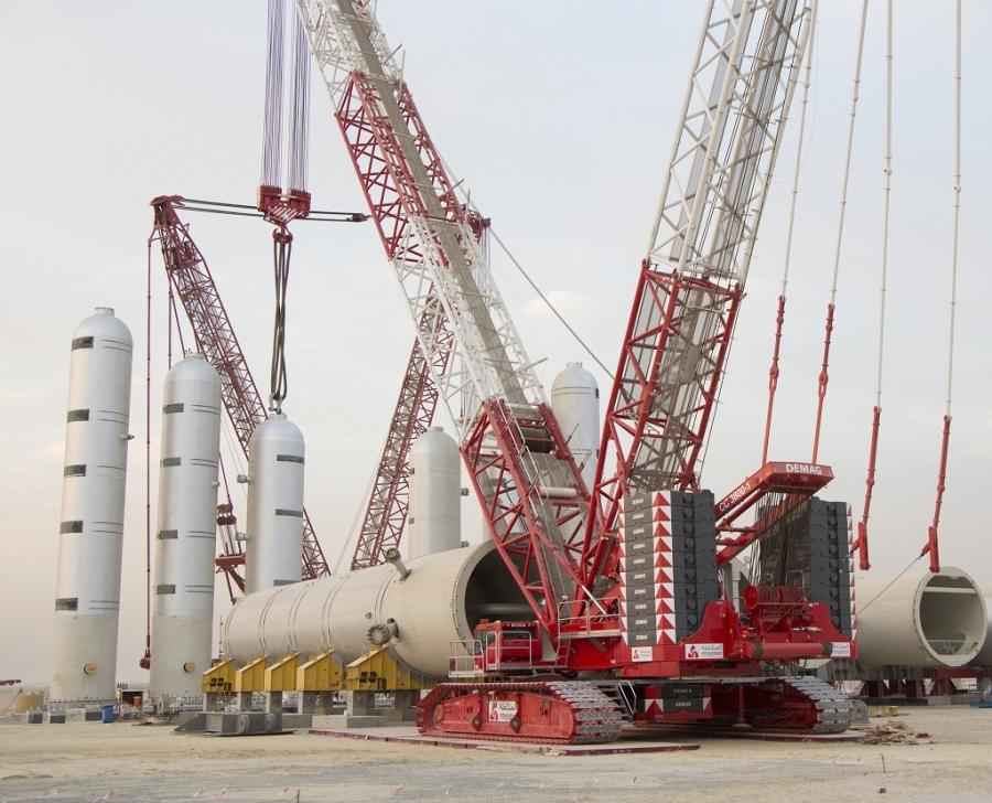 Integrated's new 650-tonne CC 3800-1 crawler crane has a maximum load moment of 8.484-meter tonnes and features a wide array of safety features, including the award-winning fall protection system.