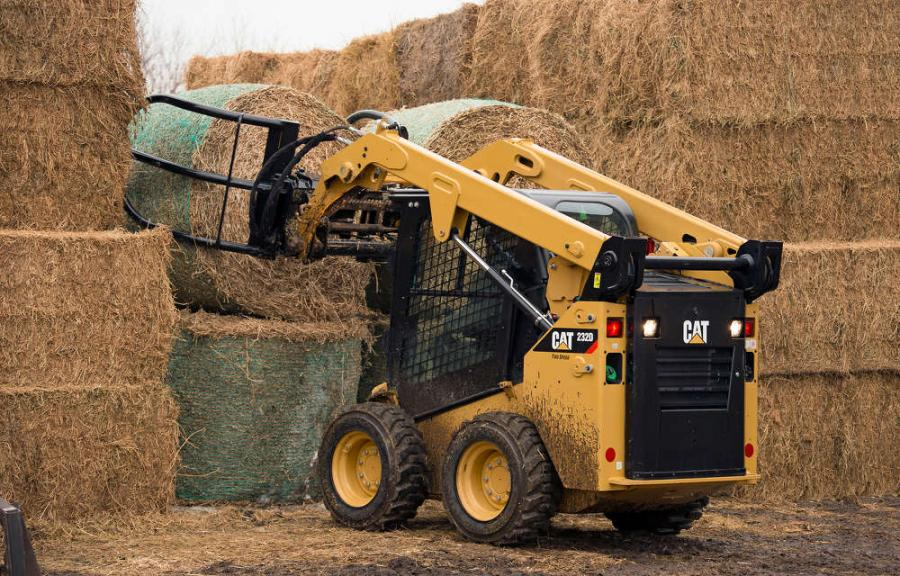 Designed for heavy-duty service, the bale grab is available with either a 71- or 84-in. (180 or 213 cm) opening, uses a single hydraulic cylinder to manipulate a variety of bale sizes and features hydraulic quick disconnects to enable fast tool changes.