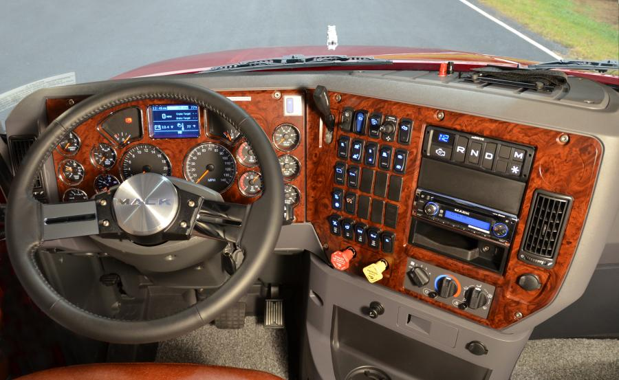 Mack Pinnacle Dash mDRIVE.