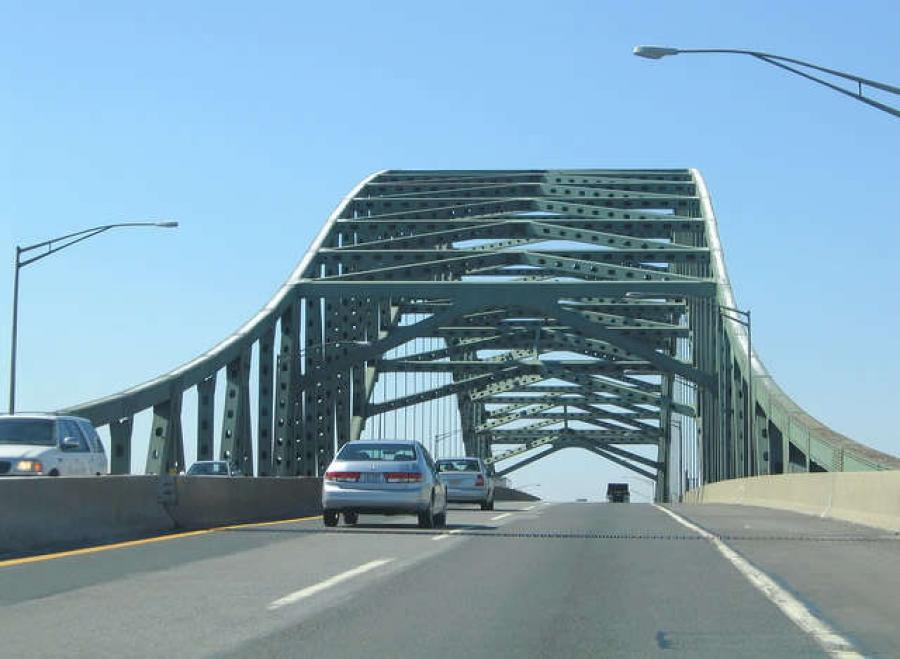 Delaware River toll bridge. (via http://url.ie/11nx5)