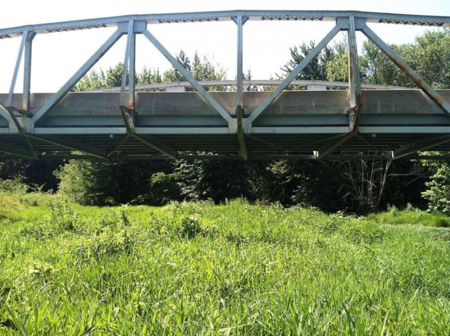 The Warren pony-truss bridge spans Mud Creek over Indiana 26 in Howard County. http://url.ie/11o4x